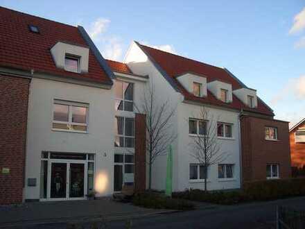 Schicke Mietwohnung im 1.OG mit Balkon u. Tiefgaragenstellplatz in Friedrichsdorf