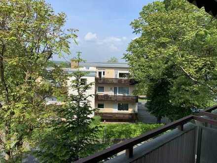 Gepflegte 4-Zimmer-Wohnung mit 2 Balkonen und Einbauküche in Bad Honnef- Zentrum