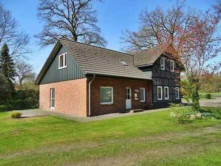 immo-schramm.de: Saniertes Wohnhaus mit Fachwerk-Scheunenanbau auf großem Grundstück