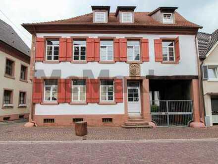 Renoviert und zentral: Schöne 1-Zi.-ETW mit EBK als Whg. oder Büro in der Ettenheimer Altstadt