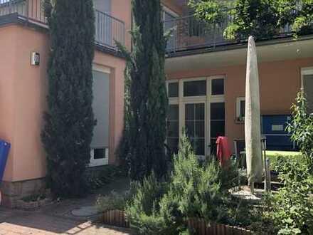 Stadtvilla in ruhiger Hoflage zu verkaufen !