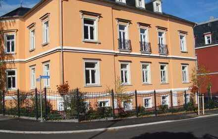 Schöne, geräumige 3,5 Zimmer Wohnung in Stadtvilla mit Stellplatz, 780 € Warm