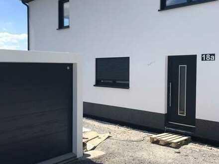 Erstbezug! Luxuriöse Doppelhaushälfte in Ludwigschorgast zu vermieten