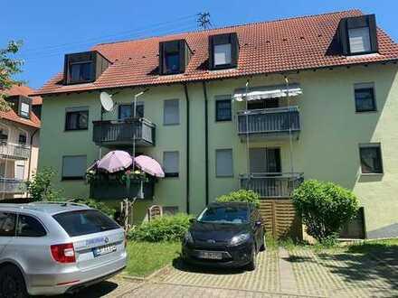 Schöne Souterrain Wohnung mit Terrasse und 1 Pkw Stlp.
