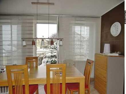 Schöne 3-Zimmer-Wohnung im 1. Obergeschoss mit Balkon, Dachschräge und herrlichem Weitblick