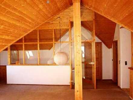 Sonnige Dach-Atelier-Wohnung Schramberg