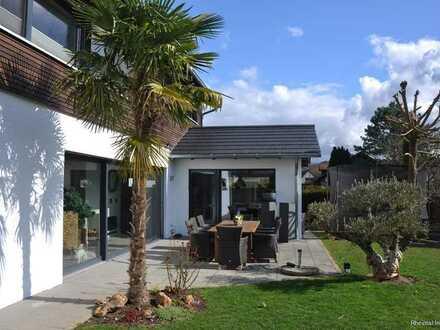 RESERVIERT - Traumhaftes Wohnen in einem großen Einfamilienhaus in Rheinheim