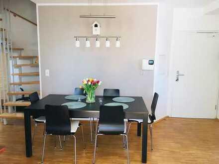 Stilvolle, gepflegte 4-Zimmer-Maisonette-Wohnung mit Balkon und Einbauküche in Frankfurt am Main