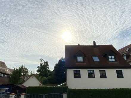 Sanierte 2-Raum-Wohnung mit Einbauküche in Erlangen