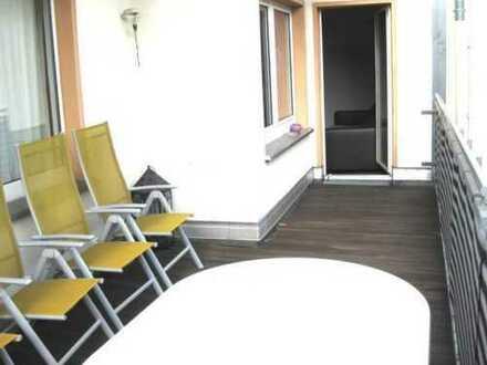 Oberhausen-Stadtmitte, schöne helle Wohnung mit 2 sehr grossen Balkonen (Südbalkon/Dachterasse)