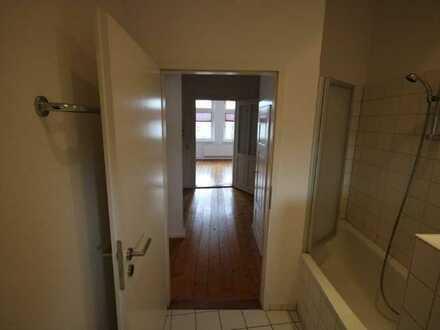 Günstige, gepflegte 2-Zimmer-Wohnung mit Balkon und Einbauküche in Hameln