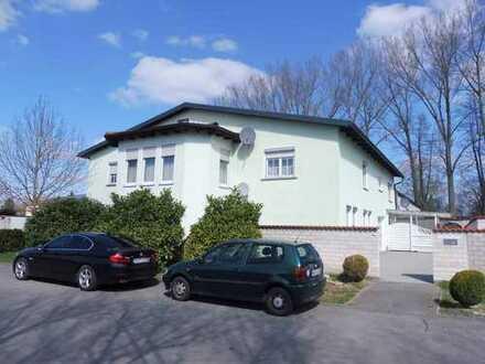 Wohnhaus mit Lagerhalle (LKW-befahrbar) und befestigter Freifläche, Grd. 1.821m², 300m² Hallenfläche
