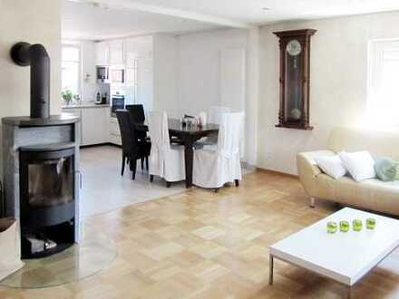 Stilvolles Einfamilienhaus mit großem, parkähnlichem Grundstück und Geschäft im Zentrum von Ostrach!