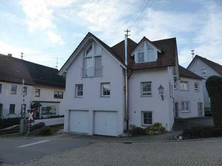 Schönes, geräumiges Haus mit vier Zimmern in Neufra