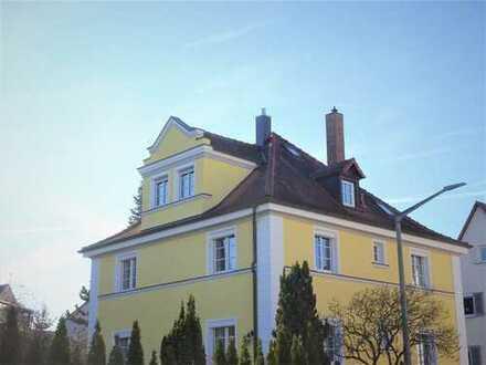 REDUZIERTER PREIS - Elegantes, großes Haus mit 7 Zimmern + 3 Bädern - IDEALE, ruhige, zentrale Lage