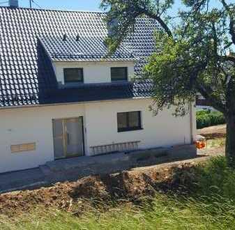 Helle 5- Zimmer-Maisonette-Wohnung nach Kernsanierung mit Balkon