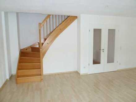 4-Zi-Maisonette-Wohnung mit Balkon und Carport!