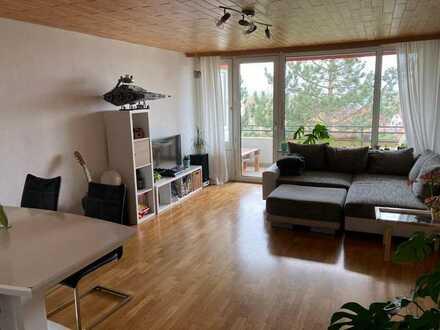 Exklusive, vollständig renovierte 4-Zimmer-Wohnung mit Balkon und EBK in Böblingen
