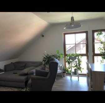 Helle Dachgeschosswohnung in Auingen