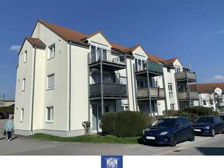 Praktisch geschnittene Dachwohnung ... schöner Balkon ... Wannenbad ... ASR!