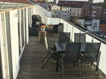 + Attraktive City-DG-Wohnung mit großer, sonniger Terrasse nach südwest! + Provisionsfrei ++