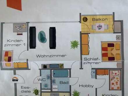 Modernisierte 4,5-Zimmer-Wohnung mit Balkon und EBK in Bietigheim-Bissingen