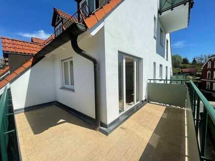 * helle 2 ZI - WHG TRAUMAUSBLICK – TOP LAGE – großer Eck -Balkon *