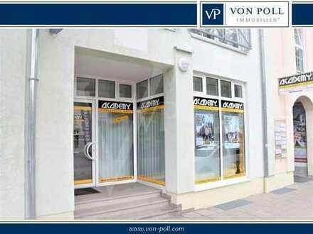 VON POLL Immobilien : Büro/ Ladenfläche mit großer Fensterfront direkt an der Hauptstr.