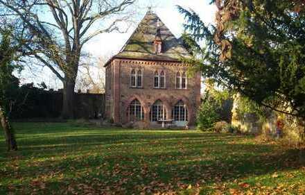 Archivgebäude im Schlosspark Assenheim