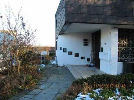 Großzügige 5Zimmer-EG-Wohnung mit teilüberdachter Terrasse, Balkon und Einbauküche in Aulendorf