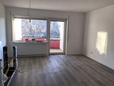 Für Pendler: Helle 3-Zimmer-Wohnung - Erstbezug nach Sanierung mit neuer EBK, Balkon, Stellplatz