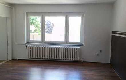 große 2 Zimmer Wohnung mit Gartennutzung