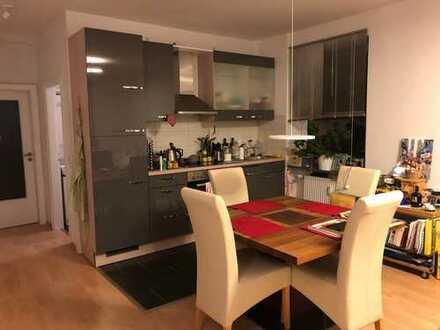 Stilvoll möblierte 2-Zimmer-Wohnung mit Balkon und EBK direkt an der Lister Meile