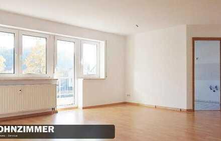 Wohnen im Grünen? Große 3-Raum Wohnung in Reinsdorf sucht Sie!