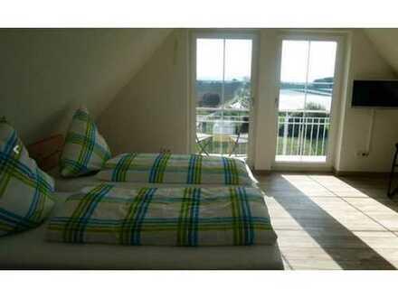 Zimmer mit Bad und Balkon, ohne Küche