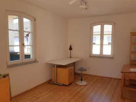 Schönes Ein-Raum-Büro in ruhiger Umgebung in Seckenheim