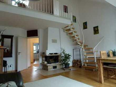 Komfortable Dach-Maisonette-Wohnung