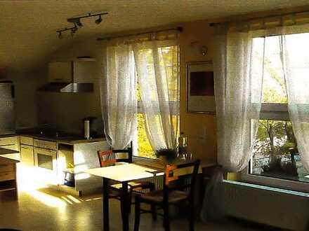 Neuwertige Dachgeschosswohnung mit einem Zimmer und EBK in Bietigheim-Bissingen