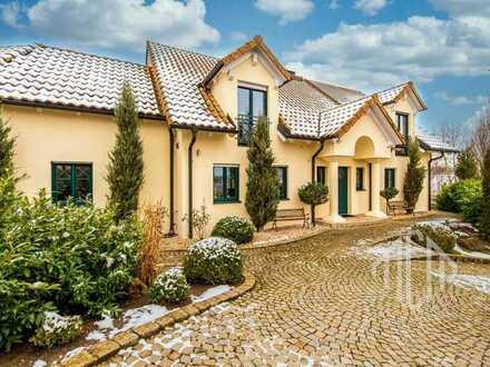 Exklusive Villa mit Privatsphäre: Genießen Sie oberbayerisches Wohnidyll in stilvollem Ambiente