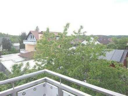03_WO6425 Neuwertige, ruhige 4-Zimmerwohnung mit großem Südbalkon / Deuerling