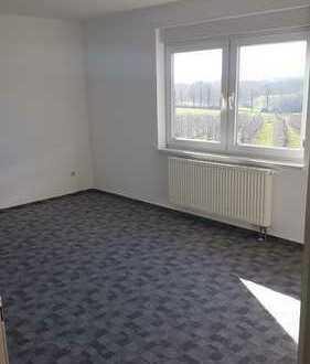 4-Raum-Wohnung mit 2 Bädern und Balkon