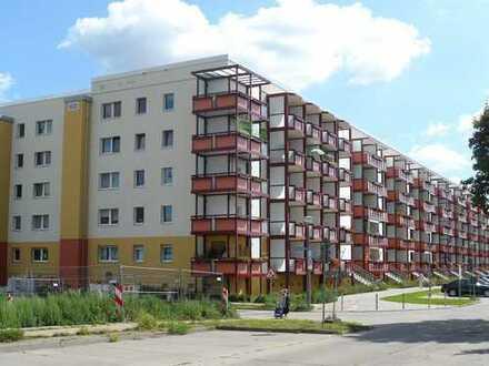 Bild_WBG - 2-RWE - mit Balkon und Aufzug!