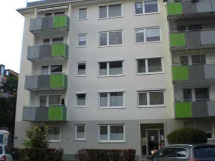 RESERVIERT Großzügige in 2017 sanierte drei Zimmer Wohnung