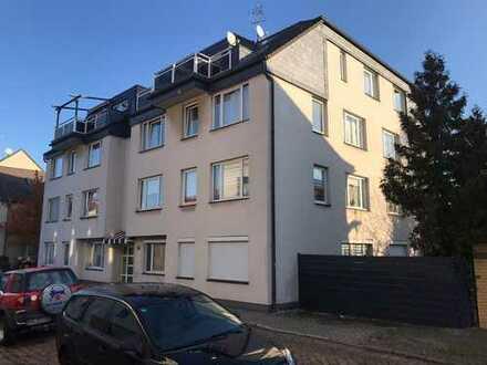 Sanierte 4-Raum-Wohnung mit Terrasse und eigenem Garten sucht Dich!