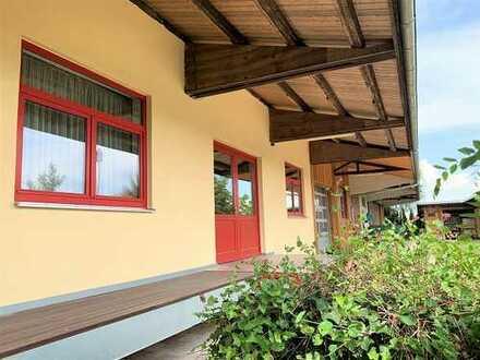 Nähe Weißenhorn - Viel Platz für Handwerk und Hobby in besonderer Liegenschaft