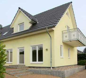 Zentrale DHH mit Einliegerwohnung auf Eigenland in Travemünde