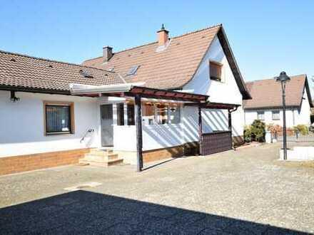 Top-gepflegte Doppelhaushälfte mit Anbau in MA-Blumenau