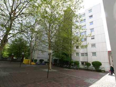BUCHBERGER Immobilien Selbstbezug, helle 2 Zimmer-Wohnung mit West-Loggia in Ottobrunn