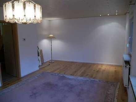 Kleines, schnuckeliges Haus mit zwei Zimmern in Düsseldorf, Stockum zu vermieten