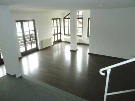 4,5-Zimmer-Maisonette-Wohnung mit Terrasse/Balkon und EBK in Bad Schwalbach
